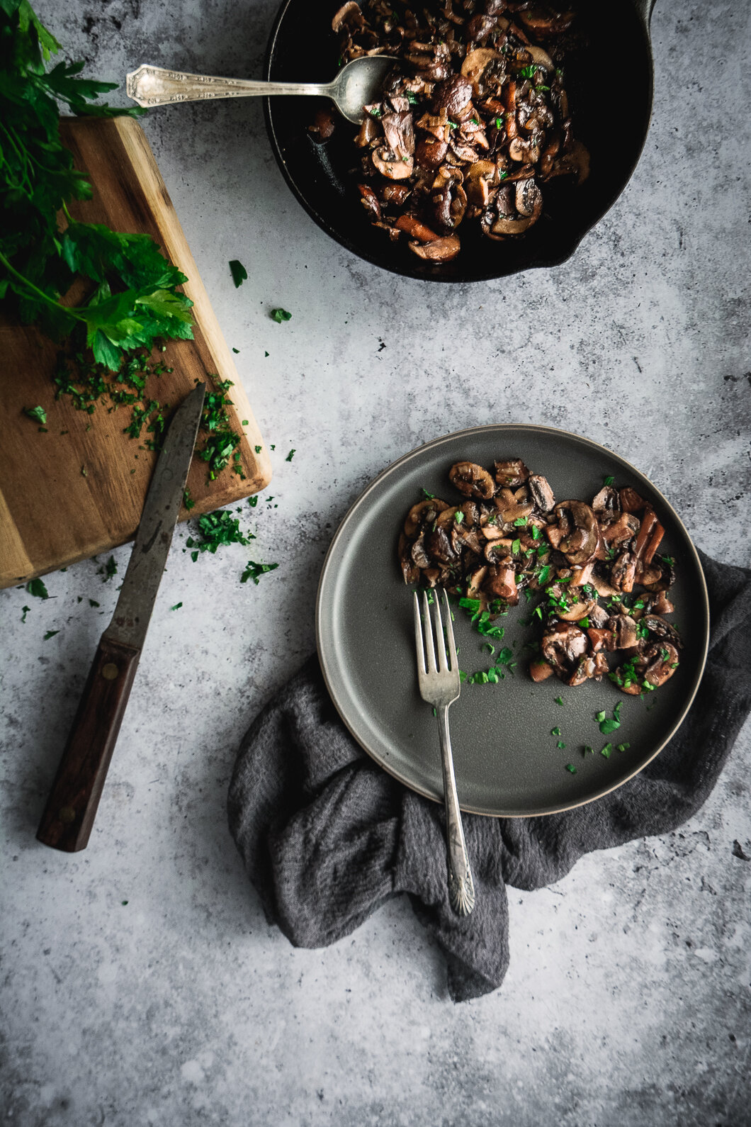 Sautéed mushrooms in plan and on plate
